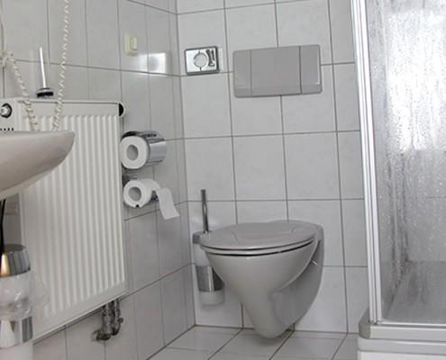 Pension Bad Windsheim, Gashof Zum goldenen Hirschen, Zimmer Marille, Bad